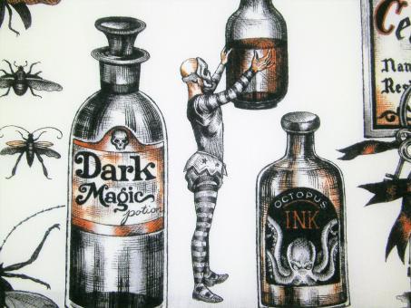 "0,1 m Baumwoll-Druckstoff  ""Dark Magic""  115 cm br."