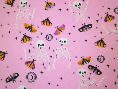 """0,1m feiner Baumwolldruck """"Spooky 'n Sweeter - Skelette"""" 114 cm br."""